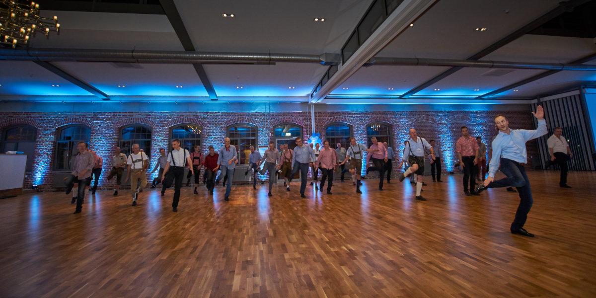 Tanzschule Daniel Kara - Vom Weinfest bis zur Oldieparty